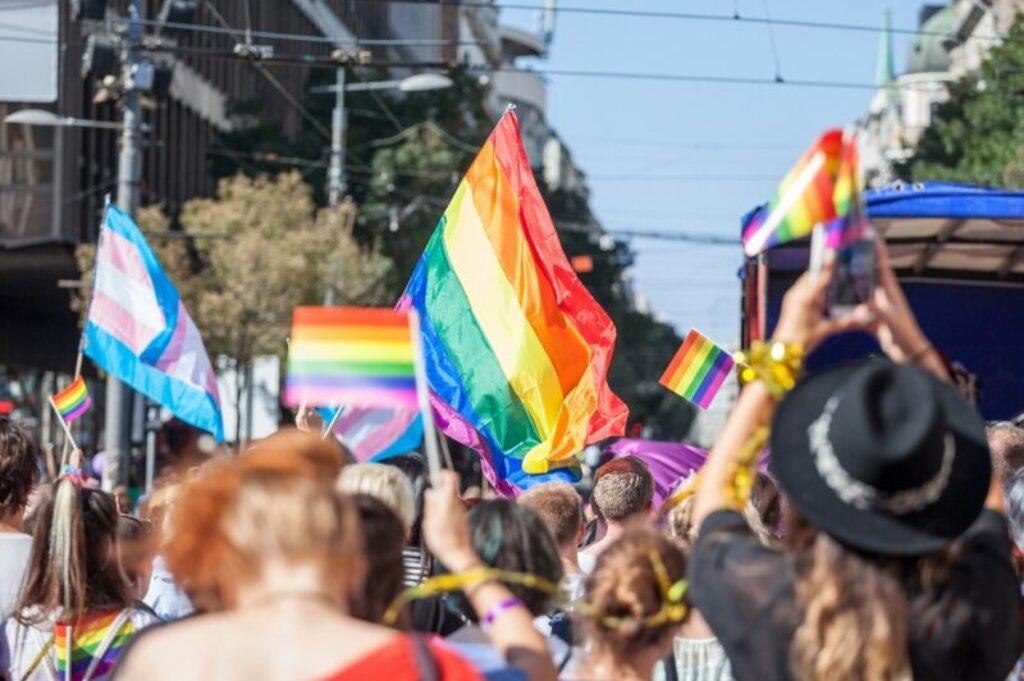 【ジェンダー平等】LGBTQIAって何?誰もが生きやすい社会を実現しよう